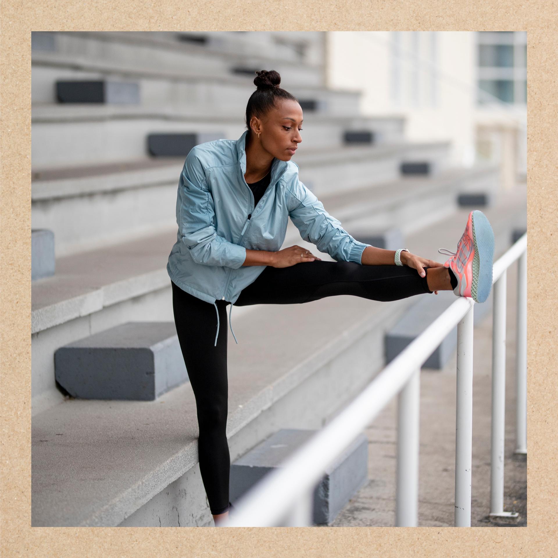 Imagen de Ana Peleteiro realizando ejercicio para una vida sana